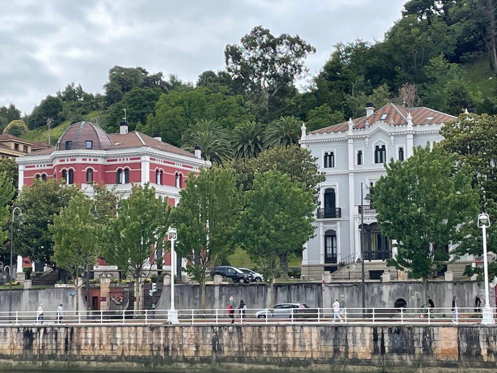 Buildings on opposite side of river to Guggenheim.